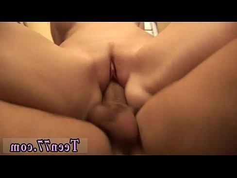 молодые блондинки занимаются сексом