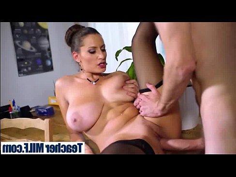 писсинг от жесткого анала порно