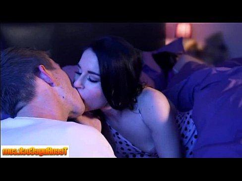 женщины кончают лицо мужчин порно