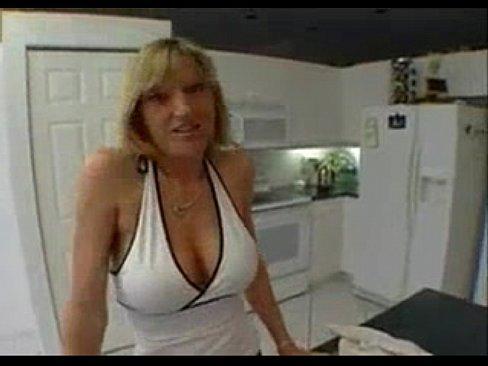 порно любительское кончают